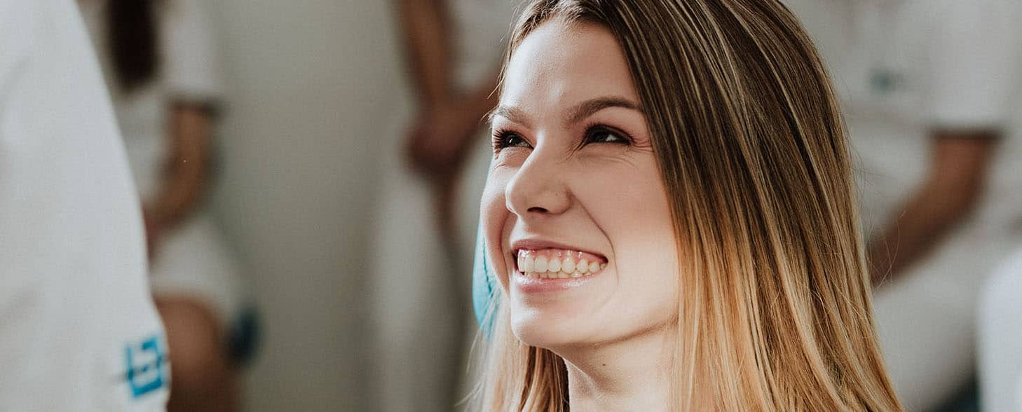 WURZELBEHANDLUNGliječenje-zuba-zubne-ljuskice-veneers-krunice-osmijeh-poliklinika-breyer.jpg